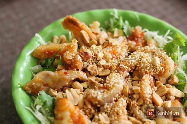 Hàng chè nổi tiếng ở Hà Nội có khách ùn ùn kéo đến nhưng lại để ăn... món khác - Ảnh 3.