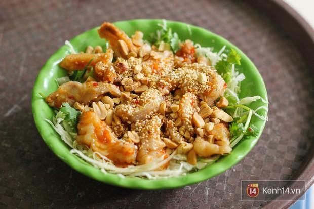 Hàng chè nổi tiếng ở Hà Nội có khách ùn ùn kéo đến nhưng lại để ăn... món khác - Ảnh 8.