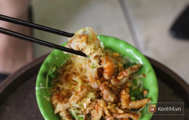 Hàng chè nổi tiếng ở Hà Nội có khách ùn ùn kéo đến nhưng lại để ăn... món khác - Ảnh 7.