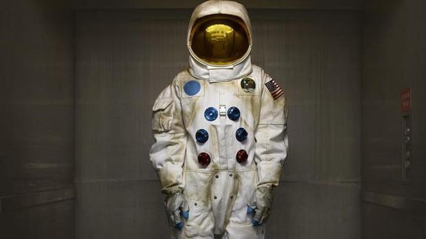 Chịu đủ thứ nguy hiểm, vậy một phi hành gia của NASA kiếm được bao nhiêu tiền? - Ảnh 1.