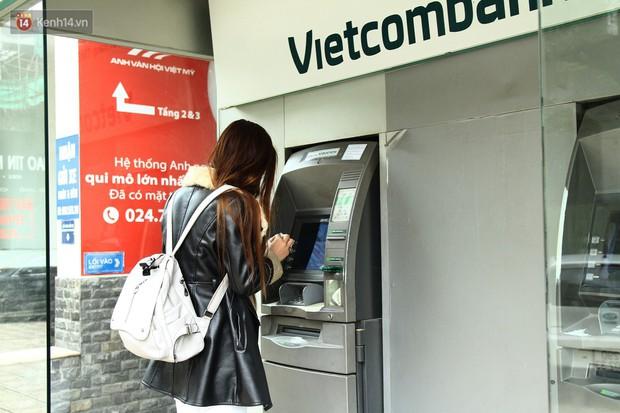 """Nhiều chủ tài khoản Vietcombank phản ứng sau biểu phí mới: Sẽ mở thêm vài tài khoản ngân hàng khác để không bị """"phụ thuộc""""! - Ảnh 3."""