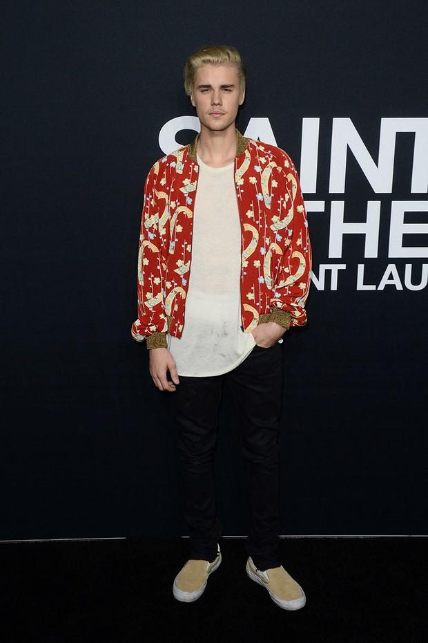 Justin Bieber đã lớn thật rồi, và đây là 8 outfit chất lượng nhất từ Instagram của anh chàng - Ảnh 6.