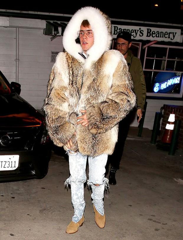 Justin Bieber đã lớn thật rồi, và đây là 8 outfit chất lượng nhất từ Instagram của anh chàng - Ảnh 12.