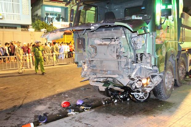 Vụ tai nạn kinh hoàng ở Sài Gòn: 1 nạn nhân đã tử vong, tài xế trình diện Công an sau khi bỏ trốn khỏi hiện trường - Ảnh 2.