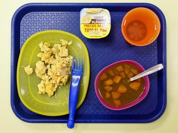 Học sinh trên thế giới ăn món gì vào bữa trưa? - Ảnh 7.