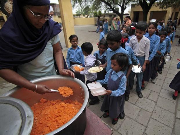 Học sinh trên thế giới ăn món gì vào bữa trưa? - Ảnh 12.