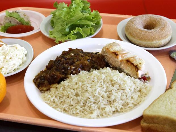Học sinh trên thế giới ăn món gì vào bữa trưa? - Ảnh 2.