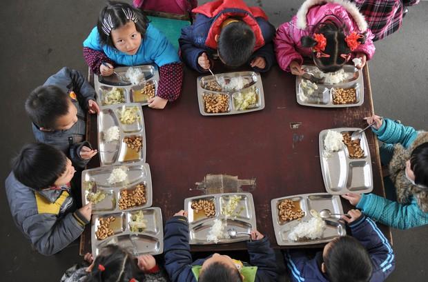 Học sinh trên thế giới ăn món gì vào bữa trưa? - Ảnh 15.