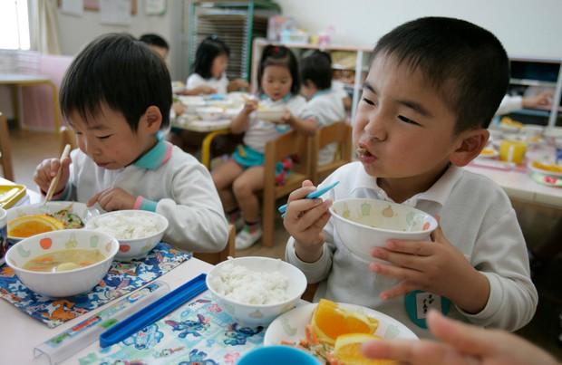 Học sinh trên thế giới ăn món gì vào bữa trưa? - Ảnh 17.