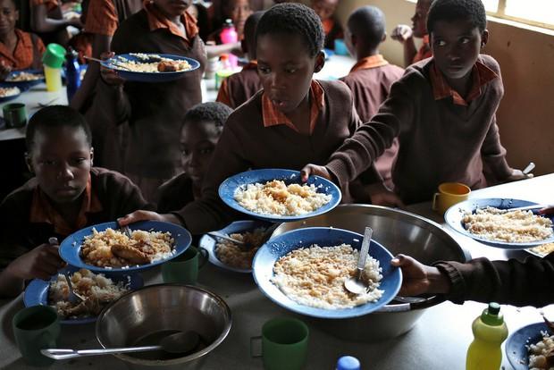 Học sinh trên thế giới ăn món gì vào bữa trưa? - Ảnh 18.
