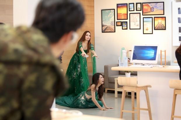 Yến Trang bị tố xô ngã, chèn ép Khổng Tú Quỳnh trong Lật Mặt Showbiz - Ảnh 9.