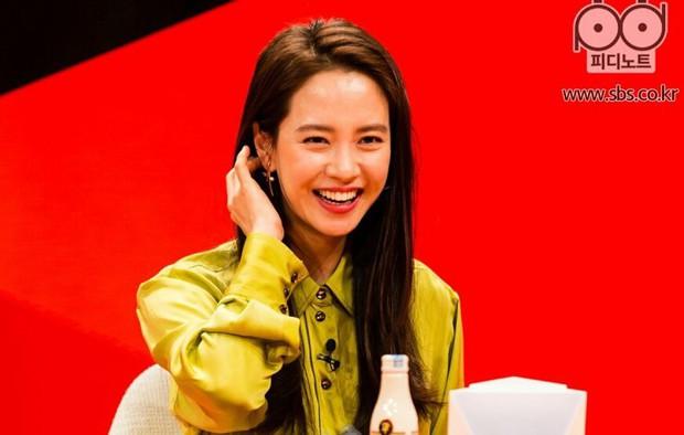 Thuyền Spartace chính thức lật: Song Ji Hyo khẳng định không thể hẹn hò Kim Jong Kook vì một lý do duy nhất! - Ảnh 1.