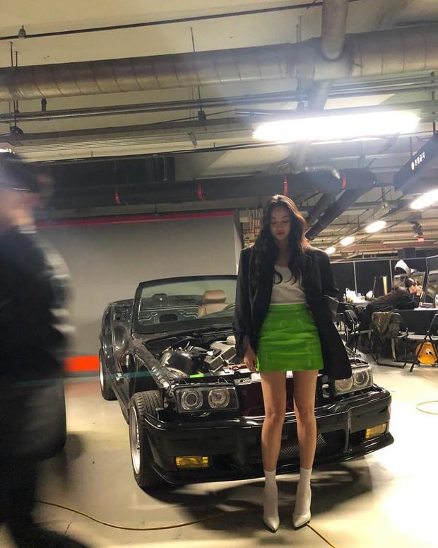 Bạn gái G-Dragon gây sốc với bức ảnh chưa chỉnh sửa, nhưng chân dài đến độ này liệu có tin được không? - Ảnh 1.