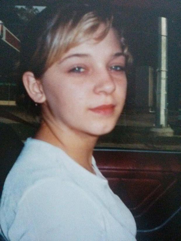 Câu chuyện có thật ở Mỹ: Cô bé bị lạm dụng, làm mẹ ở tuổi 14 và những bí mật gây sốc khác - Ảnh 1.