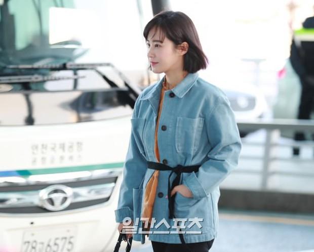 Nhìn Yuri (SNSD) tuột dốc nhan sắc tại sân bay mới thấy rõ, đúng là cái răng cái tóc là góc con người - Ảnh 8.