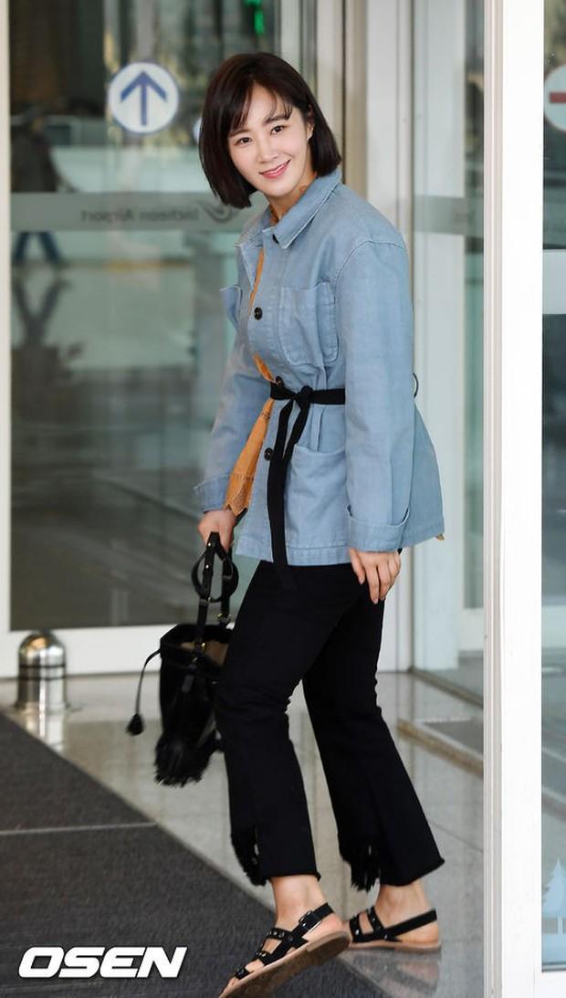 Nhìn Yuri (SNSD) tuột dốc nhan sắc tại sân bay mới thấy rõ, đúng là cái răng cái tóc là góc con người - Ảnh 10.