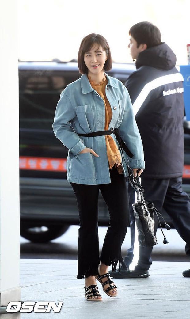 Nhìn Yuri (SNSD) tuột dốc nhan sắc tại sân bay mới thấy rõ, đúng là cái răng cái tóc là góc con người - Ảnh 5.