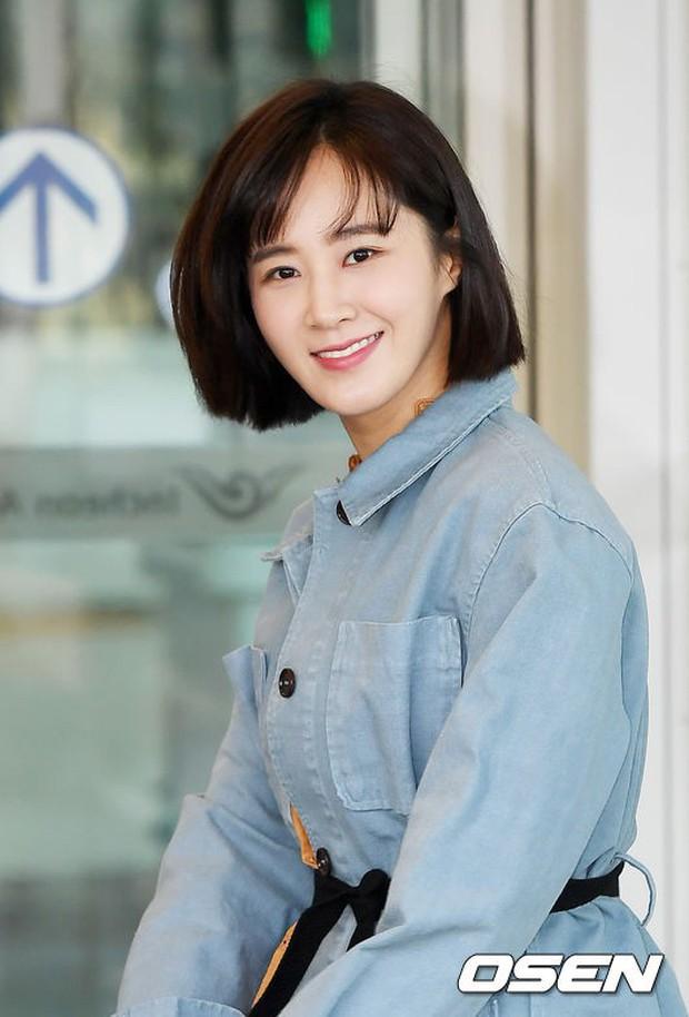 Nhìn Yuri (SNSD) tuột dốc nhan sắc tại sân bay mới thấy rõ, đúng là cái răng cái tóc là góc con người - Ảnh 12.