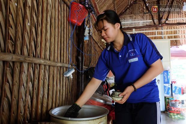Nữ sinh lớp 10 ở Sài Gòn khởi nghiệp với... bánh bèo để trang trải học phí: Thử làm hết sức mới biết mình thích gì! - Ảnh 2.