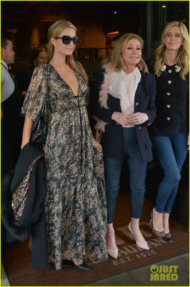 Hết quậy như xưa, Paris Hilton giờ thành cô tiên hào phóng đem tiền tặng người lạ - Ảnh 6.