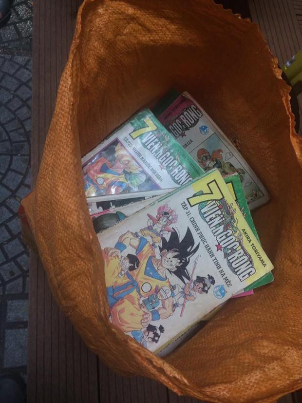 Thanh niên bất ngờ tìm được kho báu là ba bộ truyện tranh thất lạc 16 năm do bị mẹ giấu - Ảnh 3.