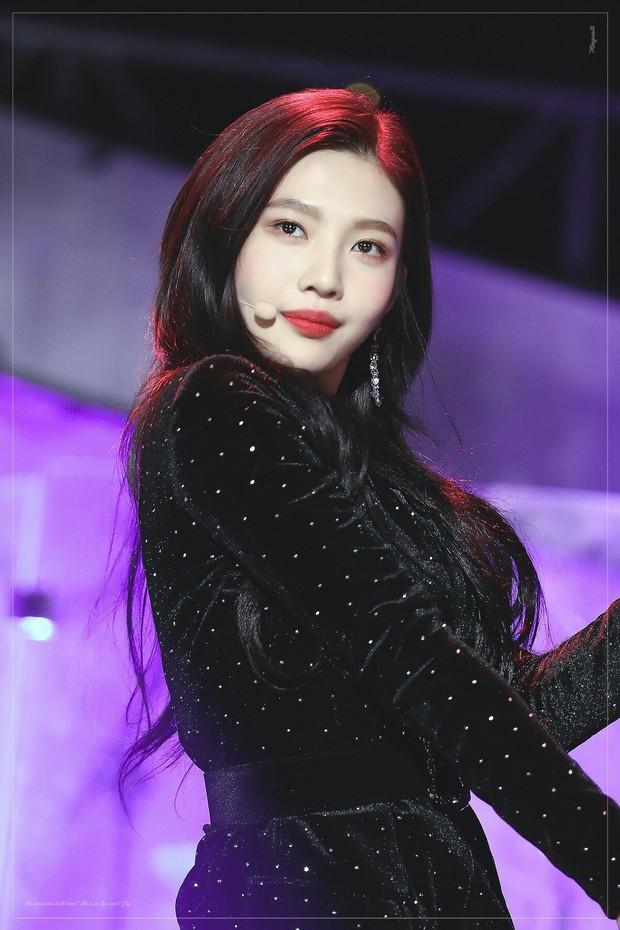 """Thần thái sân khấu của dàn nữ idol 96-line: Jennie (BLACKPINK) quyến rũ như nữ thần, thành viên TWICE và Red Velvet sexy hay cute đều """"cân"""" trọn - Ảnh 4."""