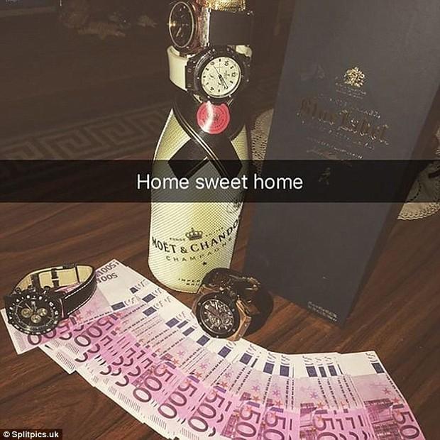 Cuộc sống khó khăn của hội con nhà giàu: Nhà hết nước phải tưới cây bằng champagne, nhiều xe xịn không biết chọn gì đi học - Ảnh 20.