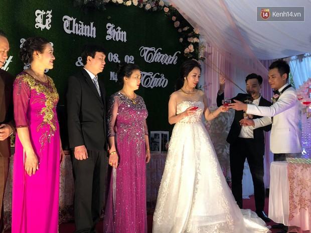 Khắc Việt rạng rỡ bên bà xã xinh đẹp tại đám cưới ở quê nhà Yên Bái - Ảnh 8.