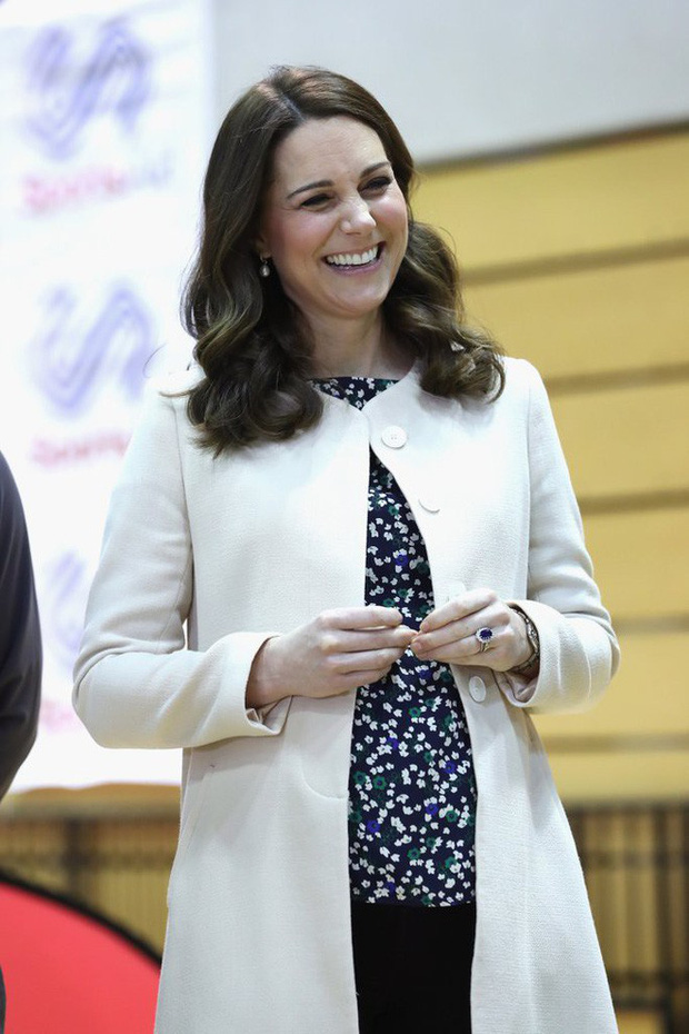 Đây chính là bí quyết đẹp hơn mỗi ngày ngay cả khi bầu bí của Công nương Kate Middleton - Ảnh 1.