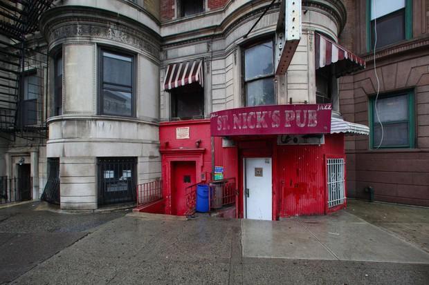 Nhân viên cứu hoả thiệt mạng trong vụ cháy phim trường tại New York - Ảnh 4.