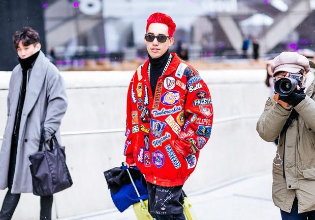 Giới trẻ Hàn Quốc luôn mặc đẹp nhưng chỉ tại Seoul Fashion Week, người ta mới có thể bắt gặp nhiều anh tài street style hội tụ đến thế - Ảnh 2.