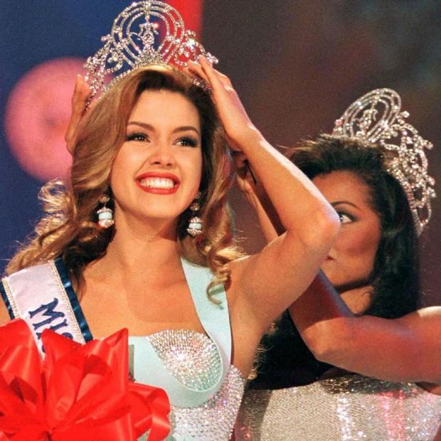 Cuộc thi Hoa hậu Venezuela bị đình chỉ vì scandal thí sinh đổi tình lấy tiền với đại gia - Ảnh 2.