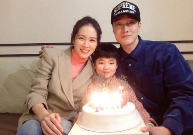 Phim của Son Ye Jin lập kỉ lục, tiếp tục hạng 1 phòng vé - Ảnh 2.