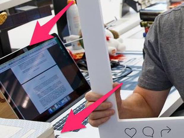 Mark Zuckerberg bịt kín cả camera và micro của laptop từ 2 năm trước vì sợ lộ dữ liệu - Ảnh 2.