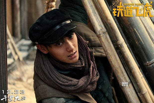 Màn vạ miệng của Thành Long khiến Dương Mịch, Hoàng Tử Thao bị ném đá tơi bời - Ảnh 5.