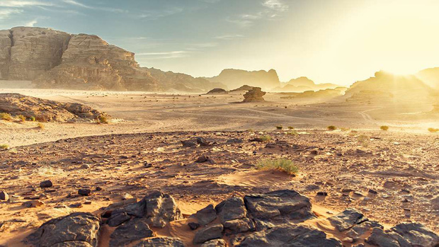 Thiết bị này có thể tạo ra nước sạch từ sa mạc khô hạn nhất Trái đất, và đã được thử nghiệm thành công - Ảnh 1.