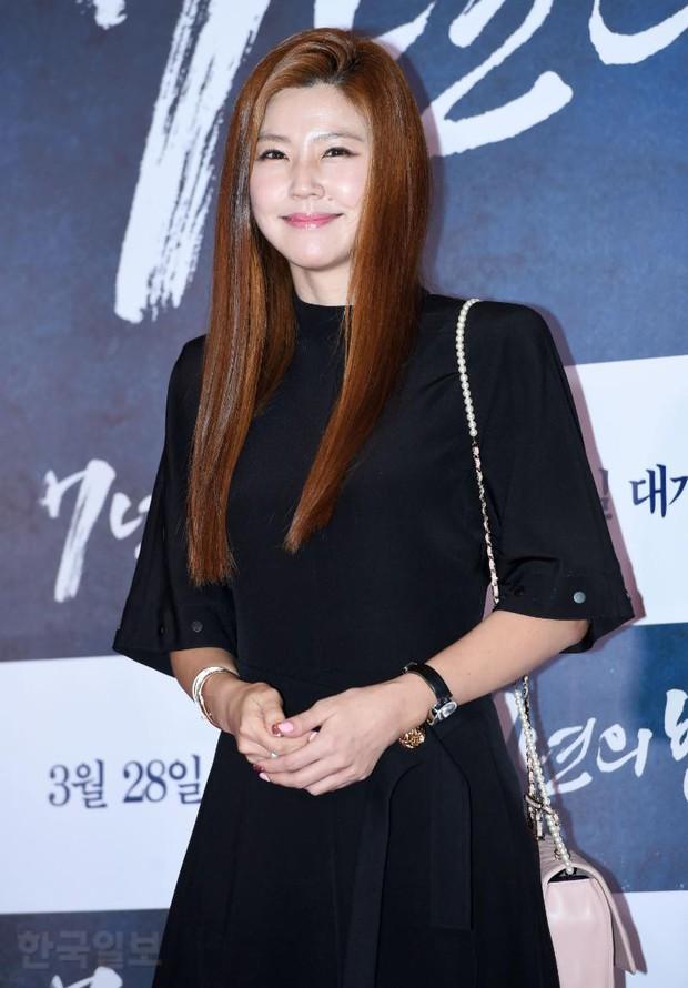 Jang Dong Gun mời cả dàn sao hạng A siêu khủng: Suzy lép vế trước Yoona sexy, Minho đọ với loạt mỹ nam - Ảnh 38.