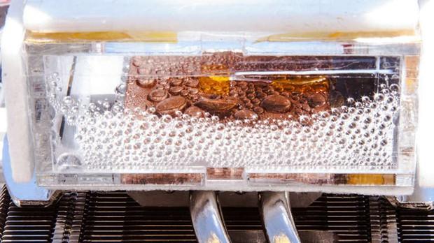 Thiết bị này có thể tạo ra nước sạch từ sa mạc khô hạn nhất Trái đất, và đã được thử nghiệm thành công - Ảnh 4.