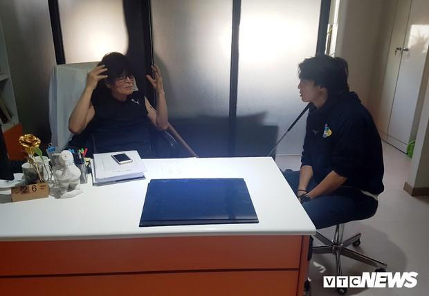 Bác sĩ Hàn Quốc khuyên mổ, Tuấn Anh quá ái ngại - Ảnh 2.