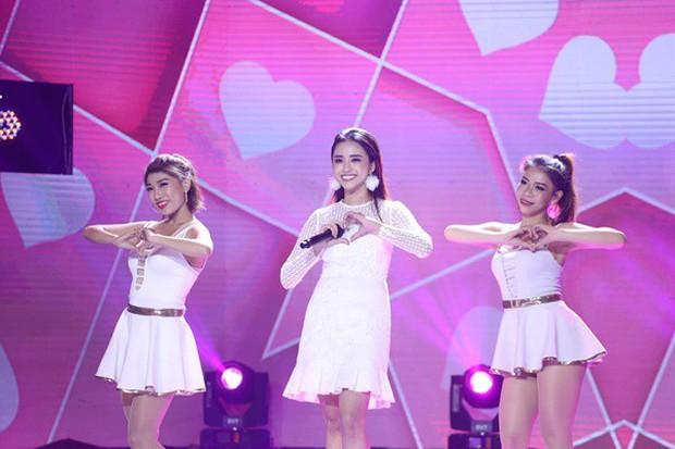 Loạt người đẹp Next Top, The Face bất ngờ chuyển hướng sang thi ca hát - Ảnh 9.