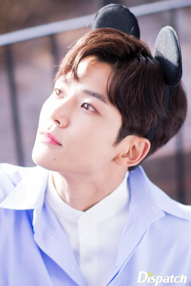 Dispatch tung bộ ảnh hội tụ dàn mỹ nam đẹp nhất xứ Hàn: Dân tình đồng loạt xin chết, không chọn nổi ai đẹp hơn - Ảnh 27.