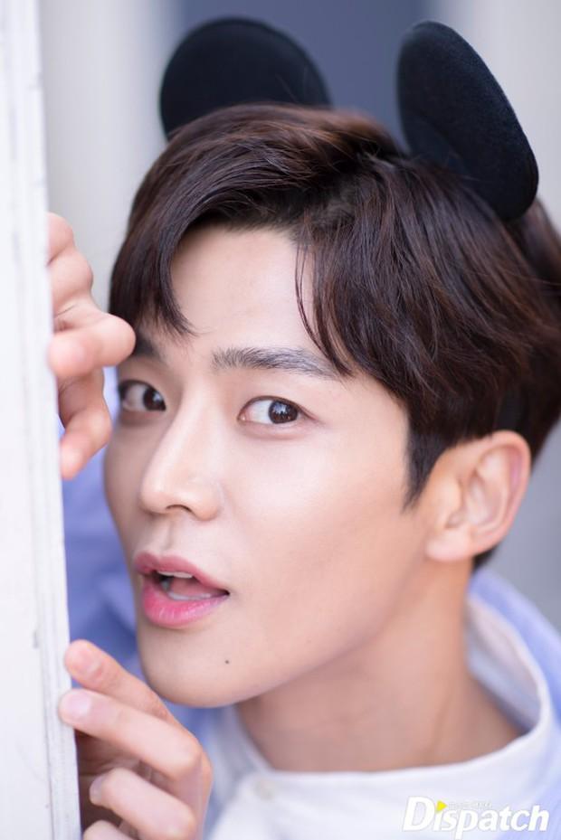 Dispatch tung bộ ảnh hội tụ dàn mỹ nam đẹp nhất xứ Hàn: Dân tình đồng loạt xin chết, không chọn nổi ai đẹp hơn - Ảnh 28.
