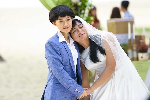 Clip: Hoài Lâm té sấp mặt giữa bãi biển khi làm... cô dâu - Ảnh 8.