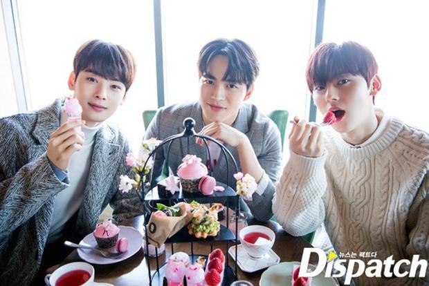 Dispatch tung bộ ảnh hội tụ dàn mỹ nam đẹp nhất xứ Hàn: Dân tình đồng loạt xin chết, không chọn nổi ai đẹp hơn - Ảnh 37.