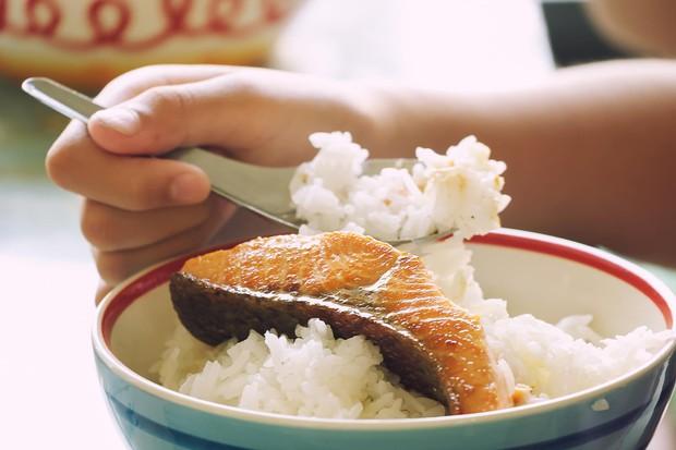 Sai lầm trong thói quen ăn uống khiến bạn dễ mắc bệnh tiểu đường - Ảnh 3.