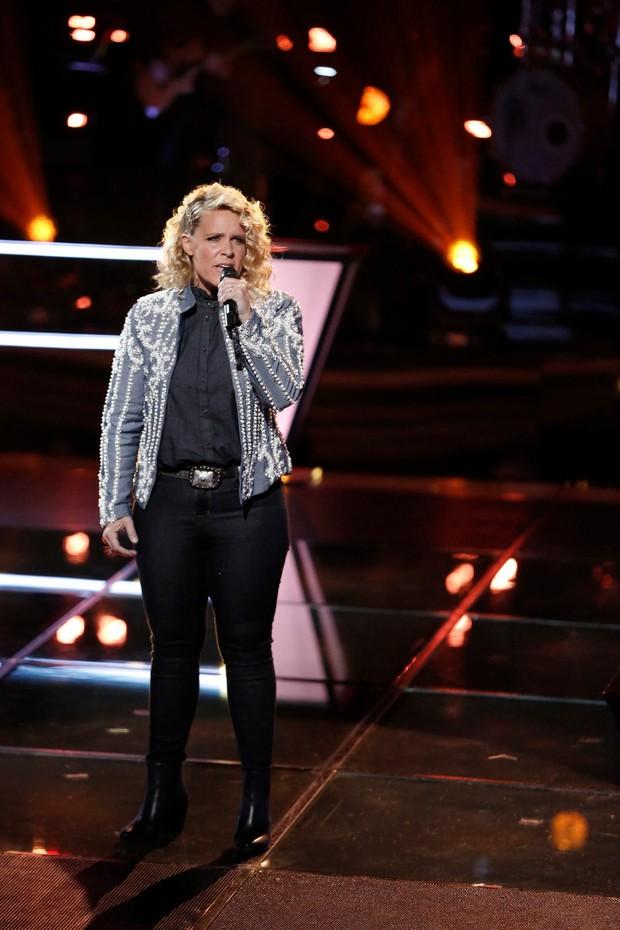 The Voice Mỹ: Kelly Clarkson bất ngờ bị chính thí sinh của mình nhận xét là thiển cận - Ảnh 3.