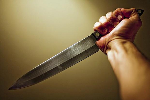 Người chồng đau khổ hô hoán vợ bị cướp sát hại, kết quả khám nghiệm hiện trường hé lộ một sự thật hoàn toàn bất ngờ - Ảnh 2.