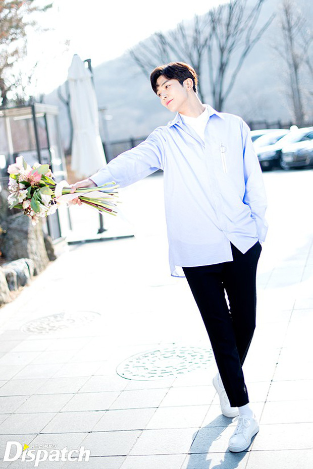 Dispatch tung bộ ảnh hội tụ dàn mỹ nam đẹp nhất xứ Hàn: Dân tình đồng loạt xin chết, không chọn nổi ai đẹp hơn - Ảnh 26.