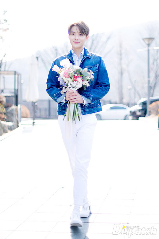 Dispatch tung bộ ảnh hội tụ dàn mỹ nam đẹp nhất xứ Hàn: Dân tình đồng loạt xin chết, không chọn nổi ai đẹp hơn - Ảnh 32.
