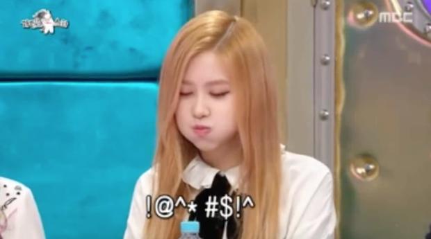 Những màn biểu diễn kỳ dị của sao Kpop trên truyền hình - Ảnh 10.
